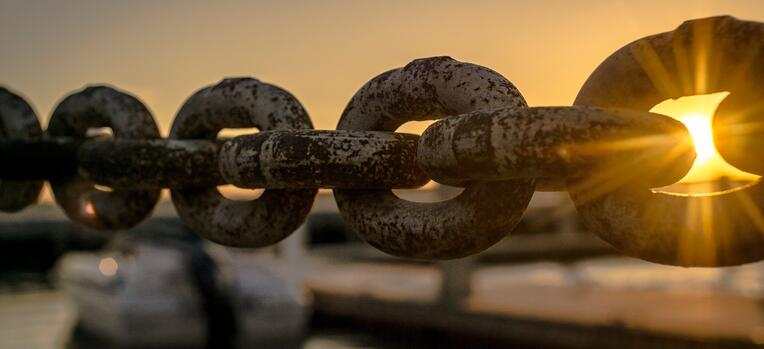 boat chain at dawn